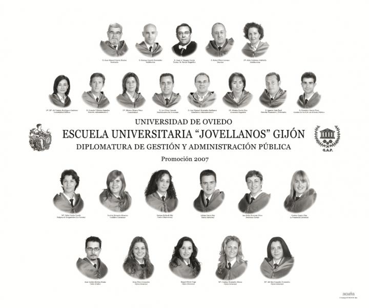 """Orla de la Diplomatura de Gestión y Administración Pública de la Facultad de Comercio, Turismo y Ciencias Sociales """"Jovelanos"""" Gijón - Promoción 2007"""