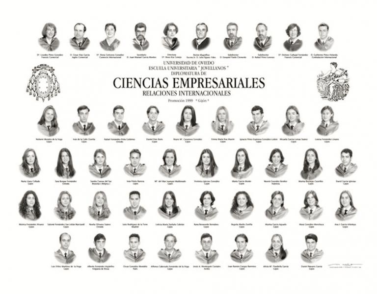 """Orla de la Diplomatura de Ciencias Empresariales (Relaciones Internacionales) de la Facultad de Comercio, Turismo y Ciencias Sociales """"Jovelanos"""" Gijón - Promoción 1999"""